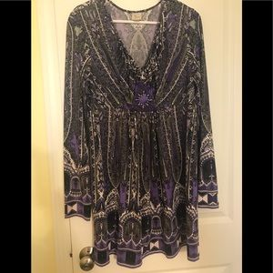 Extra Long Yvos Purple/Gray Knit Top w/Medallion